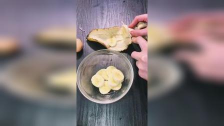 香蕉燕麦松饼教程 做法简单 无糖无油低脂 作为早餐或者下午茶都可以
