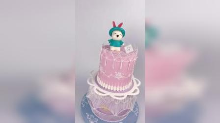 手工捏塑巧克力蛋糕,手工捏塑卡通人偶,手工糖霜腾空吊线刷绣蛋糕,零基础学生练习作品