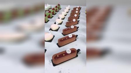 多种口味搭配,镜面淋面,巧克力喷砂,各种装饰操作零基础学生练习部分作品,青岛法式西点烘焙甜品蛋糕