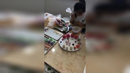 手工豆沙自然系裱花生日蛋糕,韩式裱花蛋糕,手工奶油霜裱花,零基础学生实际操作练习中,青岛烘焙甜品蛋糕