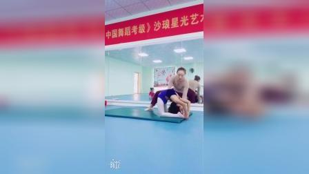 前软翻 刘佳欣