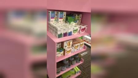 看看萌贝树母婴店内货架上货物吸引人吗