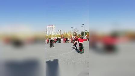 刘家峡第二届锅庄联谊会,甘谷李老师和沧海,展演(完美情缘)