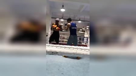 拳击国家队外教:肖恩,帮助中国拳击技术得到大幅提升!为中国人民的好朋友点赞吧