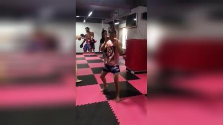 泰拳肘法慢动作,注意细节