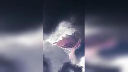 粉红色七彩云.真像UFO.2019.10.31.多巴哥Tunapuna.下午1点左右