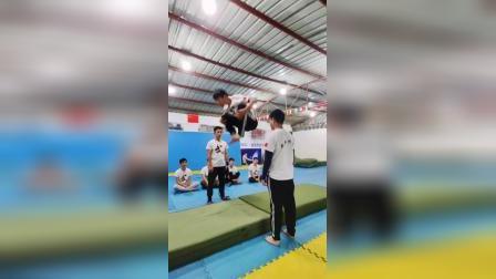 武翔道馆 空翻 双节棍 跑酷 武术跆拳道培训