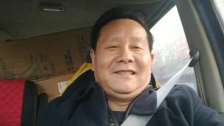 江改银在京城上好服务公司总经理谢海印陪同下,前往琉璃厂千年古宣采购宣纸和墨汁来到和信利展公司进行笔会
