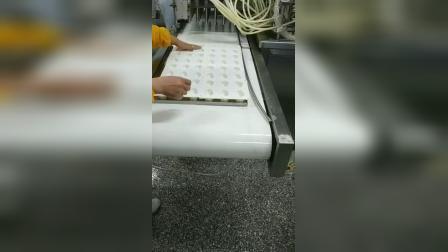 """21种经典奶酪""""灌装机""""盒装蓝纹奶酪 切达奶酪 意大利芝士奶酪灌装封口机  妙可蓝多奶油芝士充填封膜机设备 多美鲜植物(黄油) 牛油盒装250g灌装机设备"""