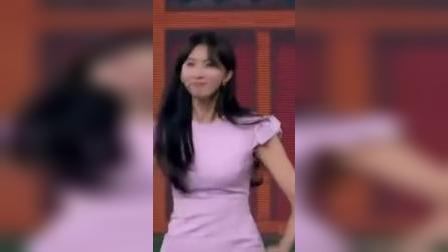 林志玲宋小宝大跳尬舞,《改革春风吹满地》的BGM简直绝配!