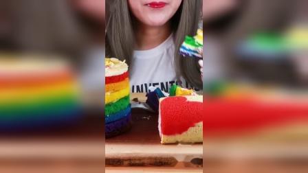 """吃播大胃王:美食之""""彩虹""""蛋糕,搭配椰汁十分开胃!"""