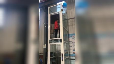 豪硕家用液压导轨式电梯 室内玻璃井道