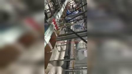 软袋蜘蛛手装箱、牛奶装箱机、机器人装箱.mp4