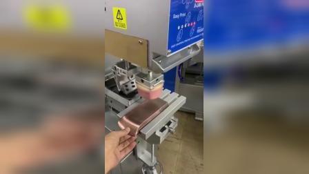 单色油盘移印机,半自动移印机设备,电动伺服手机玻璃镜片盖板丝印机,印刷设备东莞优远印刷机械