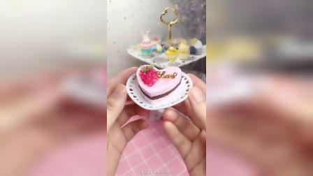 今天来试试葡萄口味的蛋糕#纸黏土蛋糕#葡萄蛋糕#粘土教程#仿真甜品#食玩