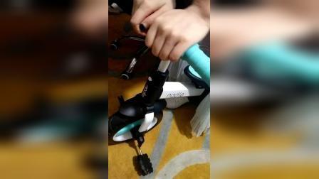纳豆平衡车把手安装视频.mp4