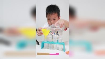 【儿童科学实验】五彩喷泉,泡沫像喷泉一样涌出来了