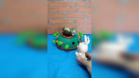 小白兔的胡萝卜丢了,以为是僵尸偷吃了,小朋友们知道是谁吃了吗