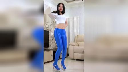 【舞艺吧 蓉儿】#广场舞 #美女 #大长腿 #舞蹈 RongerNO43YS