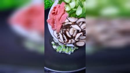 香菇油菜这样做不放肉真的超好吃