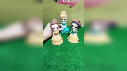 小猪佩奇玩具:白雪公主的朋友支持谁呢?