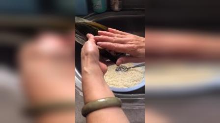 媽媽包的粽子是最好吃的你們会自己包粽子吗