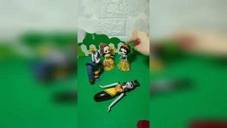 小猪佩奇玩具:蛇精故意说他们把尾巴藏了起来