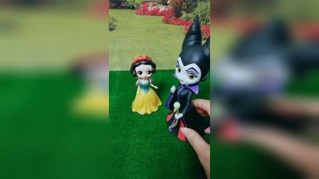 小猪佩奇玩具:小朋友们快告诉王子,这个不是真正的白雪公主