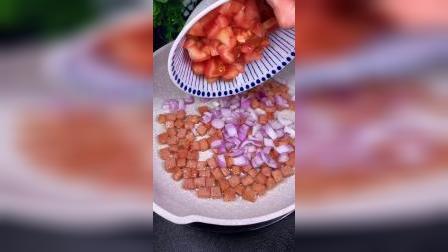 一夜间火遍全网的番茄芝士火腿焗饭,做法竟然这么简单,20秒教会你