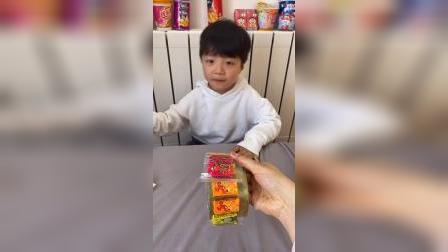 童年趣事:哇,好多泡泡糖呀