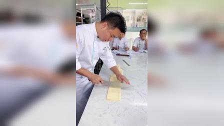 赣州烘焙菁英培训班世界冠军交流学习_赣州熳奇烘焙学校