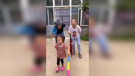 童年趣事:三个人怎么都老了呀