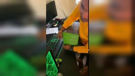 【游侠网】Xbox Series X实体版开箱视频