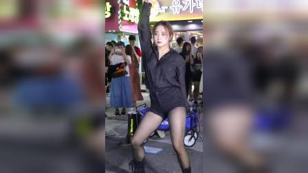 女团舞蹈队郑仁 @ 街头表演舞蹈