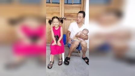 童年趣事:宝宝和爸爸的嗨舞蹈