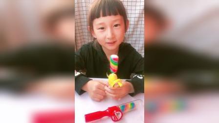 童年趣事:宝宝吃了一个彩虹糖