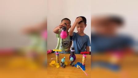 童年趣事:哥哥和弟弟都有小僵尸呀