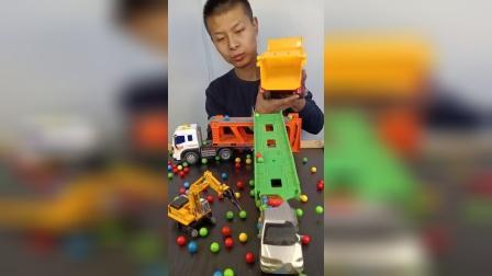 童年趣事:孩子们最爱的工程车来了,真开心