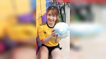 小姐姐朱纪菲 @世界杯宣传活动 美女摆拍