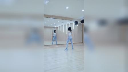 试试看学一支简单流行舞!《试试看》舞蹈教学