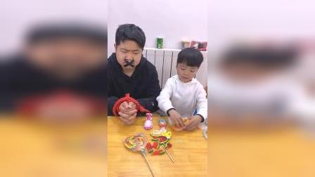 童年趣事:爸爸为什么会被绑起来