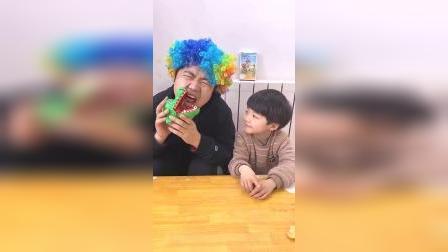 童年趣事:棒棒糖居然是吐出来的