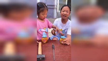 我们想吃罐头,打不开啊!