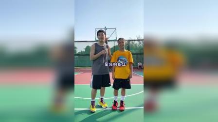快乐篮球第N期,硬核女粉丝来了,据说男子组也是MVP噢