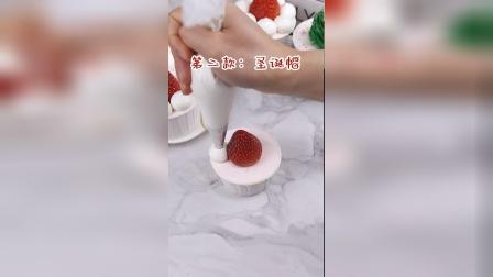 教你几种杯子蛋糕的圣诞装饰技巧!
