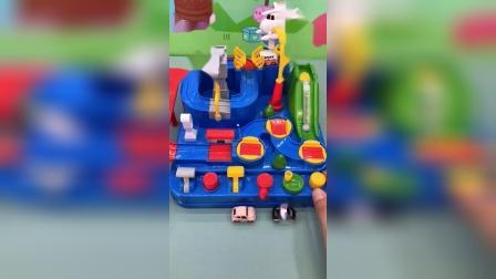 少儿玩具:玩汽车闯关咯