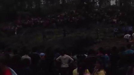 贵州铜仁沿河官舟现场枪毙人山人海