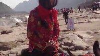 美女骑毛驴