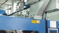 生产调更的注塑机机械手